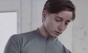 スマートフォンAQUOS「活きる力を起動する」 - YouTube (3)
